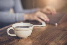 Minum Kopi Kok Kembung, Ini Penyebab dan Cara Mengatasinya