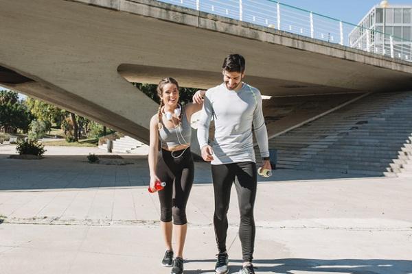 7 Manfaat Olahraga Bersama Pasangan, Bisa Turunkan Stres!