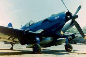 Pesawat Vought F4U-5NL No. FAH-609 Corsair yang terlibat dalam Perang Sepak Bola. (Wikipedia.org)