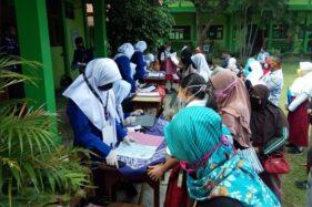Suasana PPDB di SMPN 1 Klaten, Jateng pada hari pendaftaran PPDB online, Rabu (1/7/2020). (Solopos/Taufiq Sidik Prakoso)