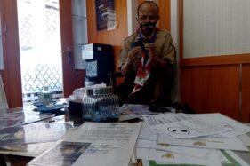 Inspiratif, Pria Bisu Tuli Asal Cilacap 30 Tahun Keliling Indonesia dan Dunia