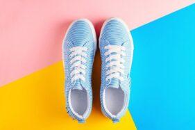 Ilustrasi sepatu sneakers. (Freepik)