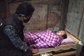 Suroto, pria Magelang yang mengurung diri di kamar selama 10 tahun terakhir. (Detik.com)