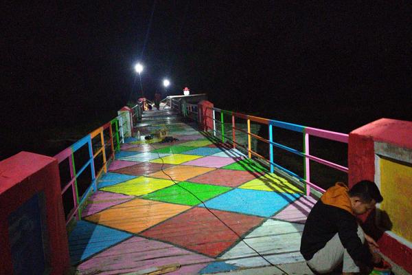 "Ini Alasan ""Tersembunyi"" Jembatan Peninggalan Belanda di Wonogiri Dihiasi Mural"