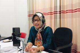 Pemerhati pendidikan di Kabupaten Karanganyar, Endang Muryani, saat mengikuti diskusi daring bersama Solopos tentang kesiapan dunia pendidikan menuju kenormalan baru pada Senin (3/8/2020). (Istimewa-Dokumentasi Pribadi)