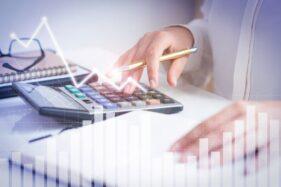 Ilustrasi hitung pajak (Freepik)