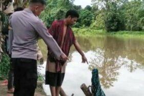 Sarung yang digunakan korban yang diterkam buaya di Sungai Barakkang Kabupaten Mamuju Tengah, Sulawesi Barat, Selasa (4/08/2020). (Antaranews.com)