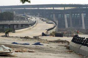 06Ilustrasi pembangunan jalan tol. (Antara)