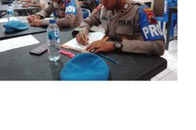 Anggota Polres Blora saat menjalani tes kejiwaan untuk mendapatkan izin membawa senjata api di Mapolres Blora, Jawa Tengah, Jumat (7/8/2020). (Solopos.com.-Bidhumas Polda Jateng)