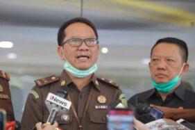 Kapuspenkum Kejagung Hari Setiyono (tengah) di Gedung Bundar, Kejagung, Jakarta, beberapa waktu lalu. (Antaranews.com)