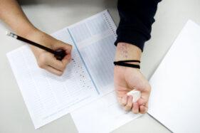 Membongkar Kode-Kode Rahasia Mahasiswa Menyontek saat Ujian