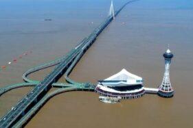 Jembatan di atas laut di China. (Istimewa)