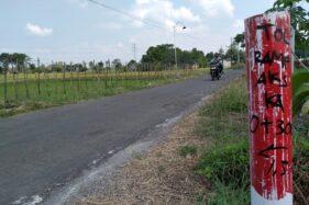 Patok lahan tol Solo-Jogja terpasang di areal persawahan di wilayah Banyudono, Boyolali, Jumat (14/8/2020). (Solopos/Bayu Jatmiko Adi)
