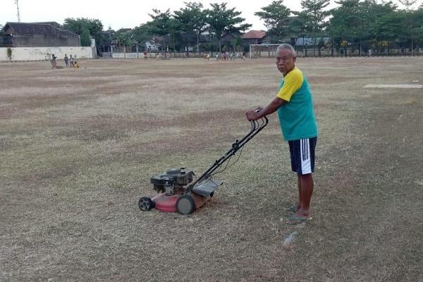 Persis Solo Akan Latihan di Bekonang, Kades & Warga Setempat Kerja Bakti Siapkan Lapangan