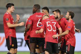 Pemain Manchester United merayakan gol. (Reuters/Wolfgang Rattay)