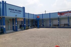 Pasar Nglames Madiun Ditutup karena Covid-19, Pedagang Berjualan di Trotoar