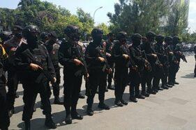 Apel siaga aparat gabungan menjelang razia di tiga lokasi sebagai buntut kerusuhan di Kampung Mertodranan Solo. (Solopos.com/Ichsan Kholif Rachman)
