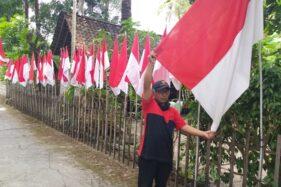 Wow, Pria Klaten Pasang 75 Bendera di Depan Rumah Sambut HUT RI