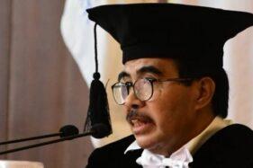 Cornelis Lay, Guru Besar Fisipol UGM Jogja. (Suara.com)