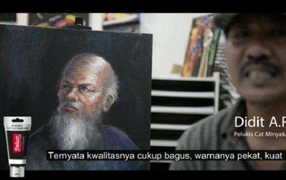 Dudut A.R Seniman yang memuji kualitas Belazo Acrylic Painting. (Istimewa)