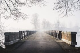 Ilustrasi jembatan. (Freepik)