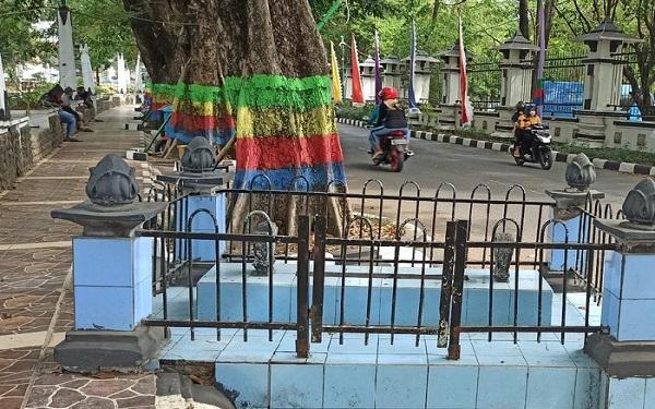 Kisah Misteri Makam Kiai Singkil di Pinggir Jalan Depan Kantor Bupati Demak