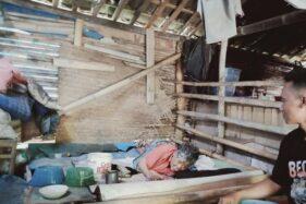 Lumpuh & Tinggal di Kandang Ayam, Mbah Slamet Klaten Sering Dibantu Tetangga