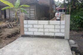 Jalan kampung di Dukuh Ngledok, Desa Gading, Kecamatan Tanon, Kabupaten Sragen yang ditutup tembok. (Solopos.com/Moh Khodiq Duhri)