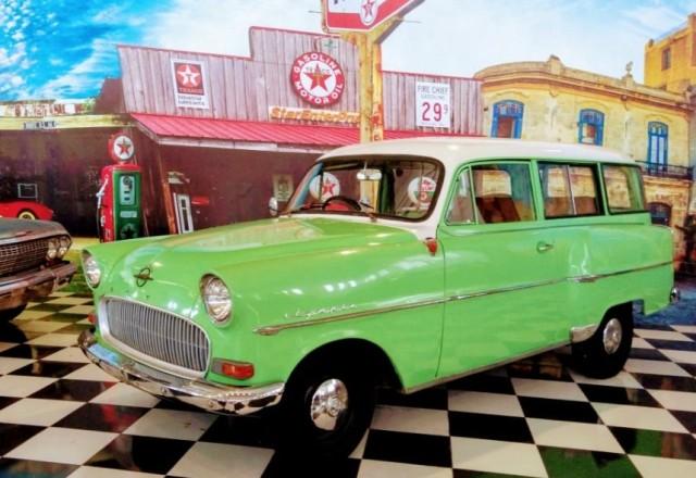 Puluhan Mobil Antik Dipamerkan di Karanganyar Besok, Pengunjung Boleh Selfie