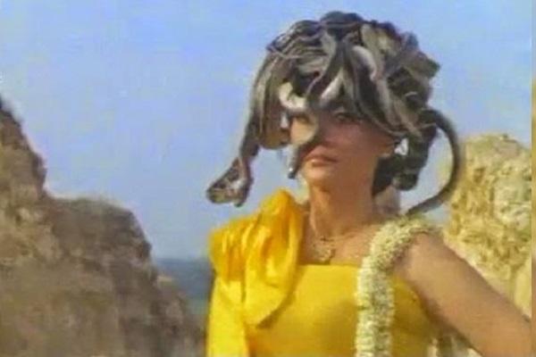 Legenda Nyi Blorong, Panglima Perang di Kerajaan Ratu Kidul