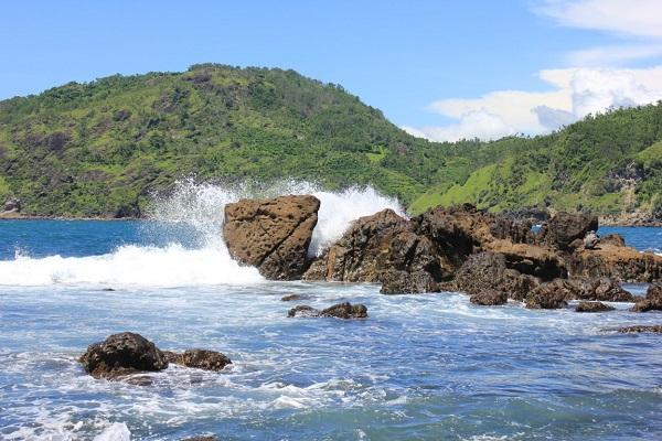 Pemancing Hilang Tersapu Ombak Pantai Wediombo Gunungkidul