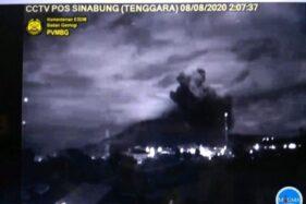 Gunung Sinabung Erupsi Lagi Setelah 1 Tahun
