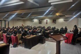 Ormas Panji-Panji Hati atau Tikus Pithi Hanata Baris menggelar rapat pertemuan di Ommaya Hotel dan Resto, Sukoharjo, Senin (3/8/2020). (Istimewa)