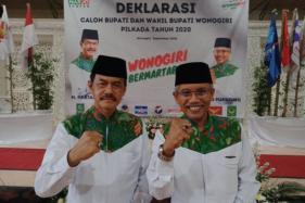 Pasangan cabup-cawabup Pilkada Wonogiri, Hartanto-Joko Purnomo (Harjo), saat deklarasi di Wonogiri, Jumat (4/9/2020). (Solopos/M. Aris Munandar)