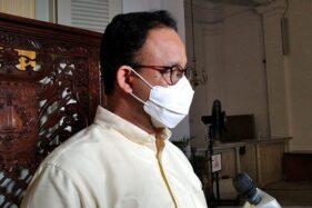 Gubernur DKI Jakarta Anies Baswedan memberikan pernyataan pada awak media di Gedung Balai Kota Jakarta, Sabtu (12/9/2020). (Antara-Ricky Prayoga)