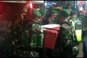 Jenazah Serka Sahlan, korban serangan KKB, tiba di rumah duka, Pinrang, Sulsel (dok. istimewa)