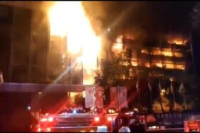 Tangkapan layar video kebakaran di Gedung Kejaksaan Agung, (Twitter-@humasjakfire)