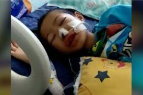 Video berdurasi 59 detik yang menayangkan lantunan Alquran Baim saat sakit keras, Senin (21/9/2020). (Facebook-Neng Ayu Yasmeen)