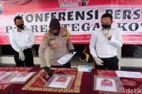 Barang bukti Wakil Ketua DPRD Kota Tegal jadi tersangka gegara konser dangdut, Senin (28/9/2020) sore. (Detik.com)