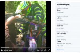 Potret seorang rider motor trail yang diduga melecehkan seorang wanita yang hanya mengenakan kain jarik atau kemban di sebuah sungai, Jumat (25/9/2020). (Suara.com)