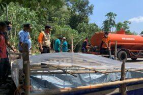 Pamsimas Rusak karena Pergerakan Tanah, BPBD Karanganyar Suplai 10.000 Liter Air Bersih