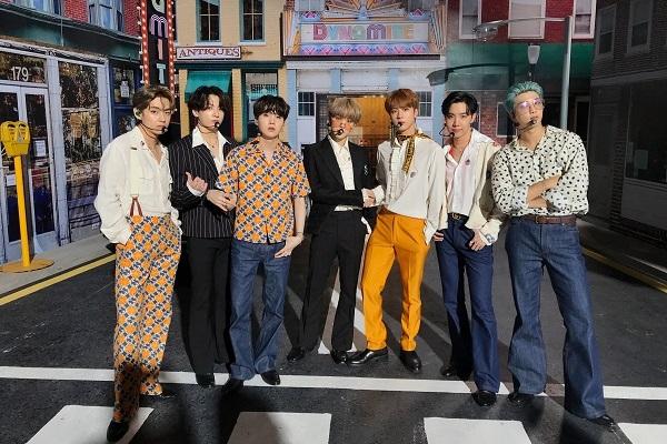 Daebak! Dynamite BTS Kembali Puncaki Tangga Lagu HOT 100 di Billboard