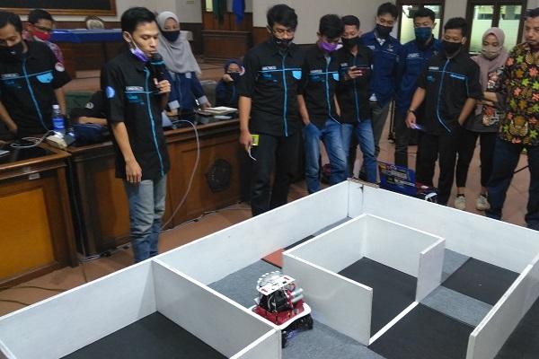 Mahasiswa UMS Bikin Robot Penyemprot Disinfektan, Begini Cara Kerjanya