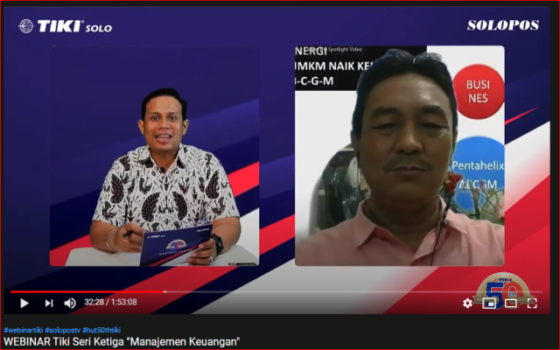 Redaktur Solopos, Alvari Kunto Prabowo (kiri) berdiskusi dengan Ketua International Council for Small Business (ICSB) Kota Solo, Edi Suhardi saat Webinar Tiki Series Manajemen Keuangan via Youtube, Rabu (23/9/2020).