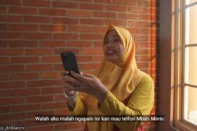 Bu Tejo mau menghubungi Mbah Minto (Youtube/Ucup Klaten).