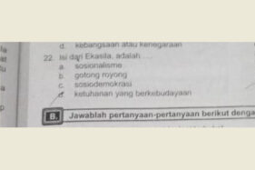 Pertanyaan terkait Ekasila di buku modul PKn SMP di Sragen. (Istimewa-Abu Umar)