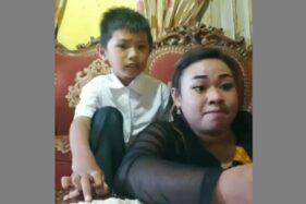 Tangkapan layar emak emak emosi saat membantu anaknya belajar online. (Istimewa/Instagram/ unnie_update)
