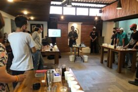 Pixel Coffee and Kitchen Solo Beri Pelatihan Bikin Minuman Ala Kafe Di Rumah