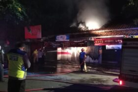 Salah satu kios di sekitar Lapangan Sunggingan, Boyolali, terbakar, Kamis (24/9/2020) pagi. (Istimewa/Polres Boyolali)