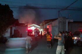 Sudah 2 Jam, Kebakaran Pabrik Spring Bed Telukan Sukoharjo Belum Padam
